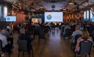 """U ORGANIZACIJI Hrvatske gospodarske komore u Sisku je održana konferencija """"Industrija građevnog materijala i gospodarenja otpadom u vrijeme COVIDA i obnove od  potresa""""."""